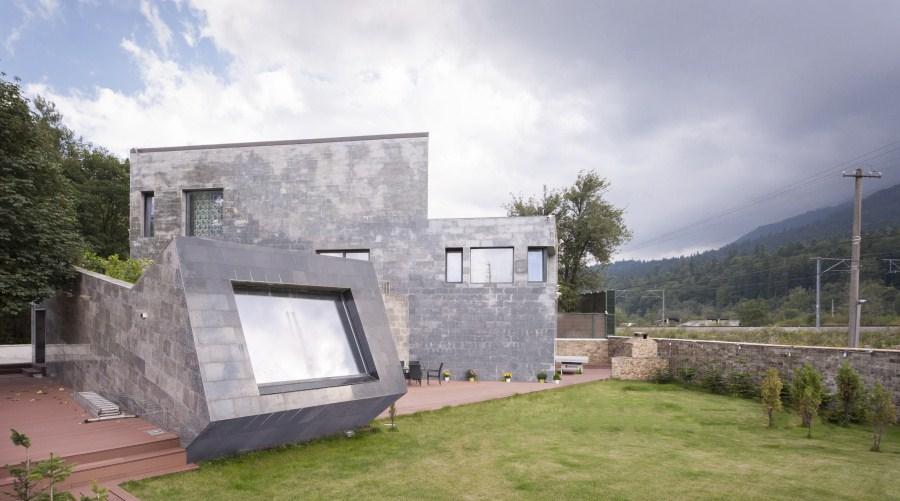 https://nbc-arhitect.ro/wp-content/uploads/2020/11/NBC-Arhitect-_-residences-_-Zamora-Villa-_-Romania_13.jpg