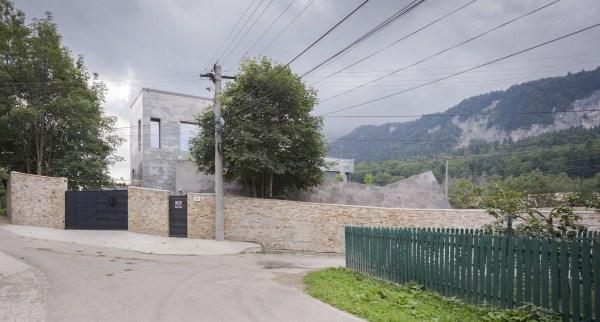https://nbc-arhitect.ro/wp-content/uploads/2020/11/NBC-Arhitect-_-residences-_-Zamora-Villa-_-Romania_14.jpg