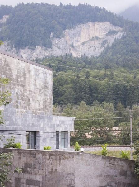 https://nbc-arhitect.ro/wp-content/uploads/2020/11/NBC-Arhitect-_-residences-_-Zamora-Villa-_-Romania_17.jpg